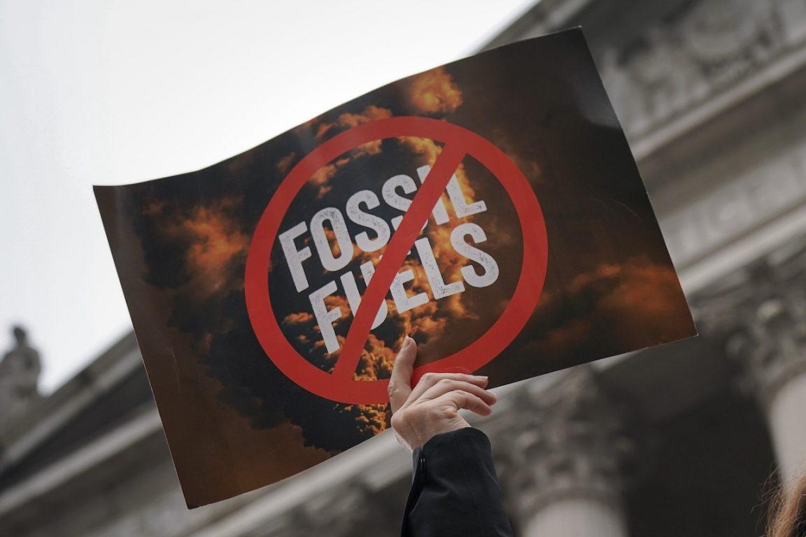 8,7 millones de personas mueren al año por la contaminación de los combustibles fósiles