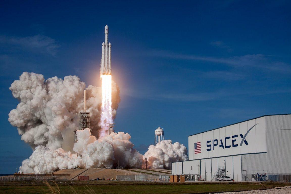 SpaceX de Elon Musk alcanza valoración de 74.000 millones de dólares