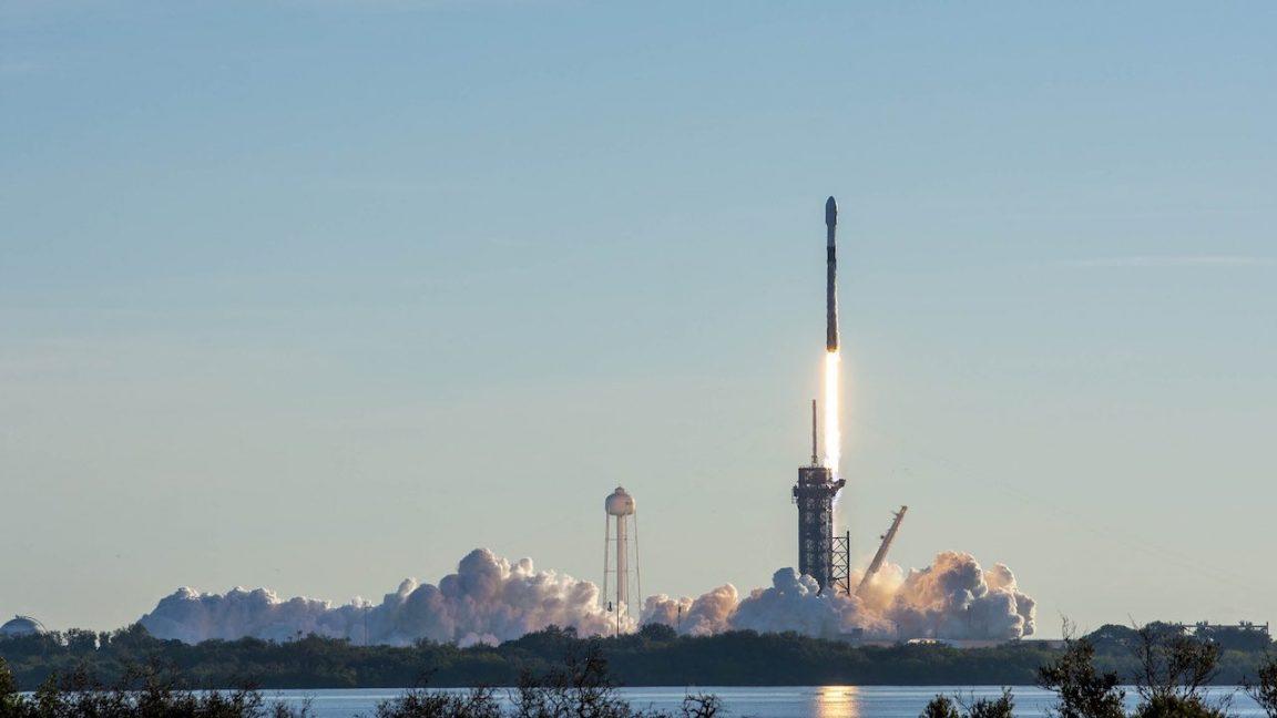 ¿Qué opinan los probadores beta de Starlink sobre el internet satelital de Elon Musk?