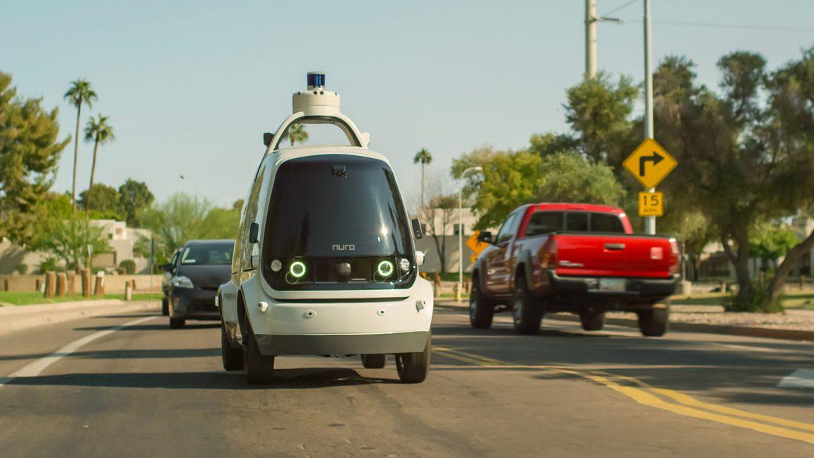 Domino's prueba a Nuro, el robot autónomo para la entrega de pizza a casa