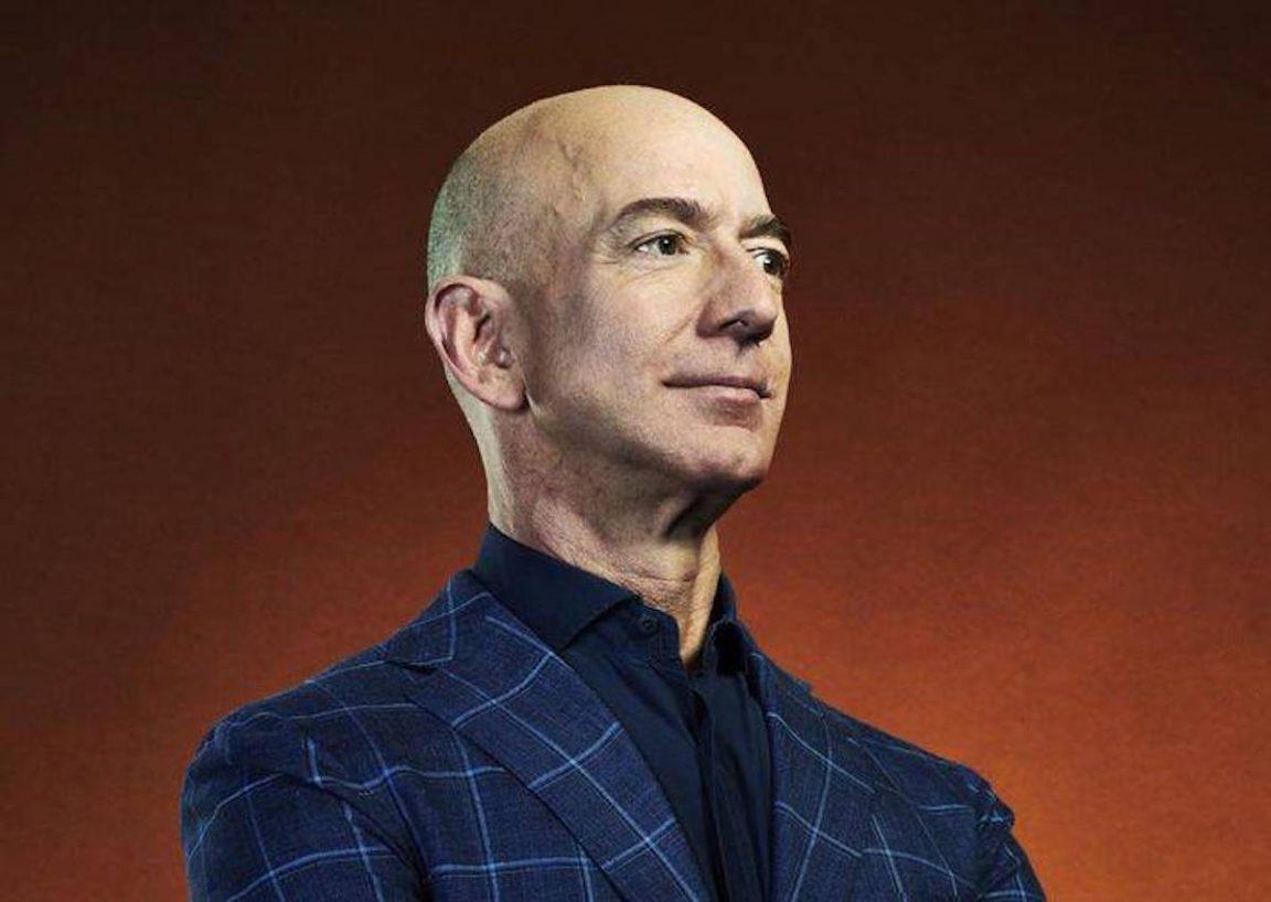 Jeff Bezos vende las acciones de Amazon y cobra $5,1 mil millones