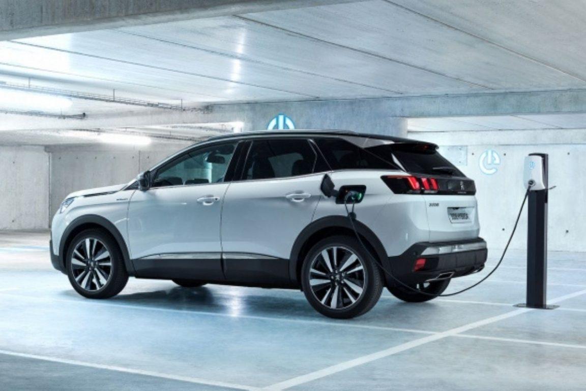 3008 Hybrid, el SUV híbrido de Peugeot: la transición energética que no deja de funcionar