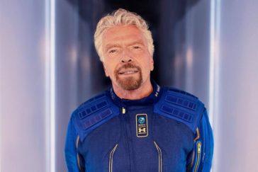 Richard Branson el primer multimillonario en el espacio a bordo de su cohete